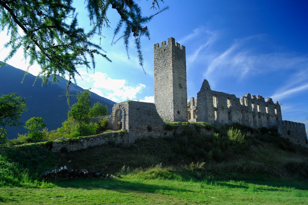 Activities, hiking, walking fishing, climbing, castle, spormaggiore wildlife park, canoing, windsurfing, paragliding, trekking