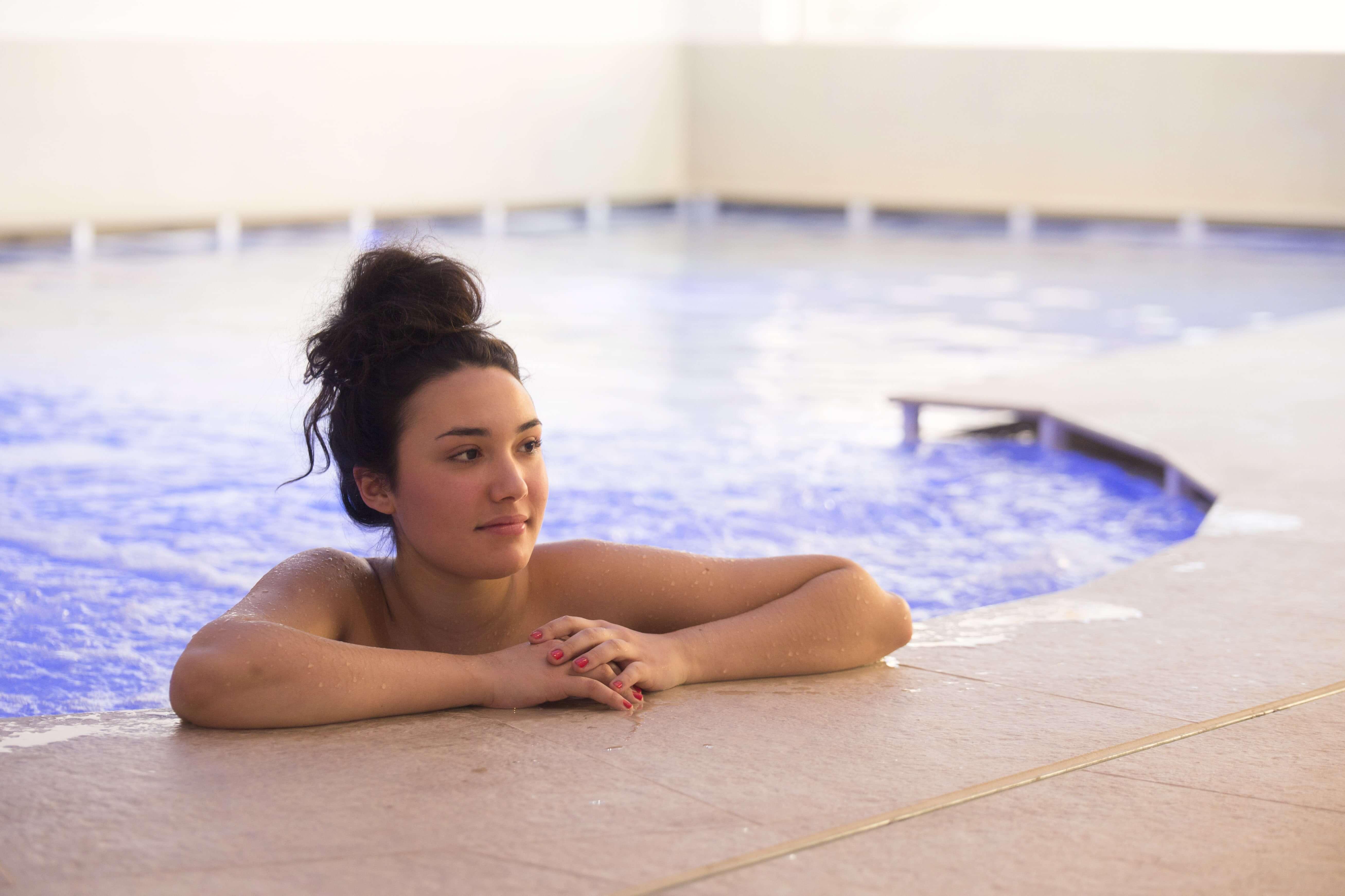 Piscina centro wellness centro benessere massaggi trattamenti
